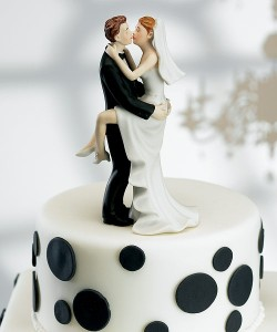 Funny-Wedding-Cake-Toppers-05